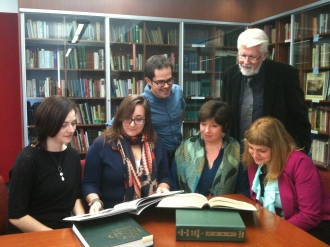Dr Gearoid O hAllmhurain with Concordia School of Irish Studies graduate students
